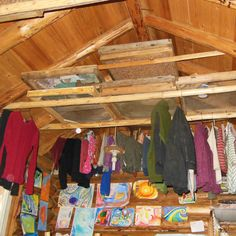 Hanging Laundry to Dry in Overhead Space - Green Homes - MOTHER EARTH NEWS