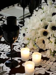 Make sure to ask your florist for the anemones with the black centers (white anemones also come with green centers!) to create this black and white centerpiece.