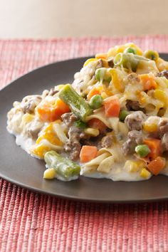 Healthy Living Creamy Beef & Noodle Casserole – Our beef and noodle casserole recipe is creamy and flavorful, with delicious ingredients like reduced-fat cream of mushroom soup and cheddar cheese, your dinner table will be nothing but smiles.