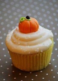 Cute little cupcake pumpkin for halloween or fall theme cupcakes.