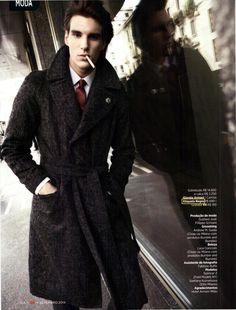Na Revista GQ mês de setembro modelo usa camisa Etiqueta Negra para ensaio Gigolô Americanp.
