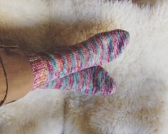 Finished object: Happy socks! afterthought heel knitted socks