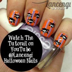 #Halloween nail art Day 7: Crawling Spider  Full tutorial can be found on YouTube -> link in bio! #lancengi #nailart #easynailart #halloween #spider #beauty #essie #essielook #essiepolish