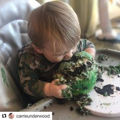 Carrie Underwood doesn't often share photos of her children, but she did exactly that this past week! The Cry Pretty singer shared photos of her one-year-old son, Jacob, celebrating his first birthday. Country Singers, Country Music, Happy 1st Birthdays, Happy Birthday, Carrie Underwood Fans, Mommy Loves You, Queen Of Everything, Miracle Baby, Kermit The Frog