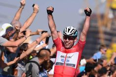 VeloNews @velonews Picture perfect: A final gallery from the Dubai Tour. velonews.competitor.com/2015/02/news/g… pic.twitter.com/O2iuOqJFRN