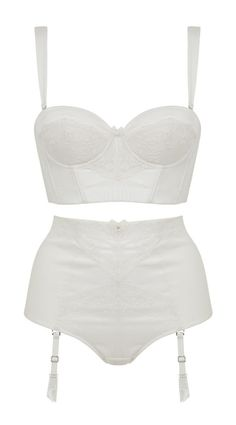 Perfect set for wearing under your wedding dress - functional yet stunning too. Whether you have an hourglass shape or athletic build, the experts over at Ultimo have revealed the best underwear for your big day. Lingerie Vintage, Satin Lingerie, Best Lingerie, Wedding Lingerie, Luxury Lingerie, Wedding Dress, Wedding Vows, Wedding Undergarments, Wedding Underwear