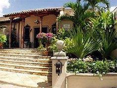 Hotel Los Robles (Managua, Nicaragua) Nicaragua Managua, Across The Universe, Pergola, Outdoor Structures, Places, Outdoor Decor, Colors, Beauty, Outdoor Pergola