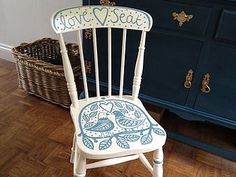 vintage spindle back painted chair Love Chair, Rocking Chair, Love Seat, Painted Chairs, Painted Furniture, Furniture Redo, Furniture Ideas, Studio Interior, Milk Paint