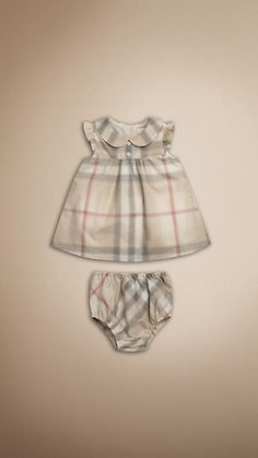 Burberry Baby Outfit Picture burberry infant girls davina short sleeve dress with Burberry Baby Outfit. Here is Burberry Baby Outfit Picture for you. Burberry Baby Outfit throw back thursday outfit of the day burberry ba nova. Burberry Baby Girl, Burberry Kids, Burberry Plaid, Burberry Baby Clothes, Burberry Print, My Baby Girl, Baby Love, Pretty Baby, Baby Girl Dresses