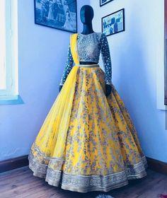 Love the fullness of the lengha, don't like the blouse Indian Bridal Lehenga, Pakistani Bridal Dresses, Punjabi Wedding, Half Saree Designs, Lehenga Designs, Indian Wedding Outfits, Bridal Outfits, Indian Weddings, Lehnga Dress