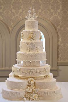 Resultado de imagem para bolos de casamento delicados