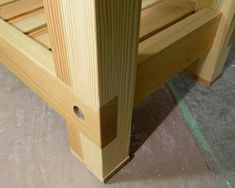 How to Make Ultimate Workbench Plans - Woodworking Session Workbench Plans Diy, Building A Workbench, Workbench Designs, Woodworking Bench Plans, Woodworking Joints, Woodworking Magazines, Workbench Organization, Folding Workbench, Carpentry Projects