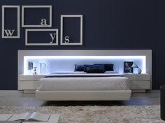 Amazon.com - J&M Furniture Braga Grey Lacquer Queen Size Bedroom ...