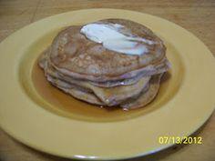 #FoodFunHop :: Apple Cinnamon Pancakes by http://makingitonabudget.blogspot.com