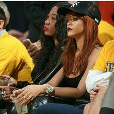 RiRi chilling courtside at the finals  #OooLaLaBlog #Rihanna #RihannaNavy #nbafinals2015