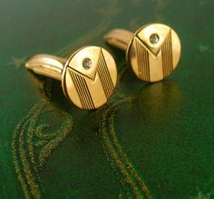 This Dainty vintage pair of Petite Gold Filled Rhinestone Art Deco Cufflinks would be perfect for most any occasion. They are in good vintage conditio. Vintage Wedding Jewelry, Art Deco Wedding, Wedding Men, Wedding Shoes, Wedding Ideas, Fashion Night, Gold Fashion, Mens Fashion, Fashion Vintage