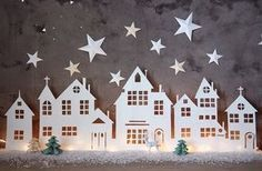 A Christmas village is actually essential in winter in the house . A Christmas village is actually essential in winter in the house . Look at 8 easy to make Christmas villages! Diy Christmas Lights, Noel Christmas, Christmas Paper, Winter Christmas, Christmas Decorations, Christmas Ornaments, Christmas Village Lights, Simple Christmas, Beautiful Christmas