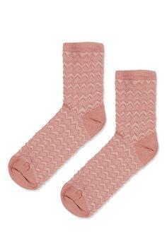 Zig-Zag Stitch Ankle Socks  $6.00