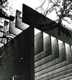 http://www.architecturenorway.no/render/w918-h918-c0-q80/3.questions/1.identity/5.neveu-on-fehn/6.neveu6.jpg