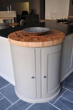 Maple circular end grain chopping board