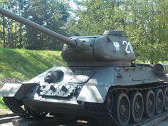T-34-85 The Best Tank in 2 World War.