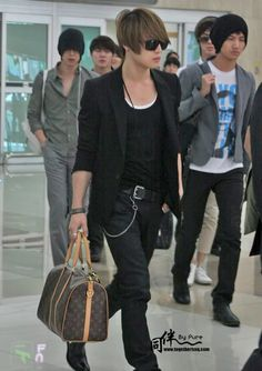 Airport Fashion: Sexy, Mysterious Jaejoong Edition! (rest of DBSK as well)