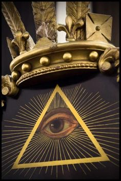 all seing eye and pyramid