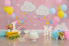 smash the cake - chuva de amor - bençãos - Rio de Janeiro - Thais Camara 1st Birthday Party For Girls, Girl Birthday Themes, 1st Birthday Pictures, Baby Cake Smash, 1st Birthday Cake Smash, Diy Diwali Decorations, Birthday Decorations, Happy Birthday Wallpaper, Sunshine Birthday