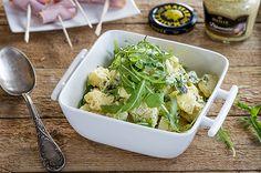 Juustoinen päärynä-perunasalaatti Potato Salad, Cauliflower, Cabbage, Salads, Menu, Potatoes, Vegetables, Ethnic Recipes, Food