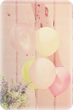 A variety of pastel shade balloons creates a lovely vintage look x Pastel Balloons, Bubble Balloons, Bubbles, Pastel Shades, Pastel Colors, Pastel Palette, Romantic Wedding Inspiration, Love Balloon, Wedding Balloons