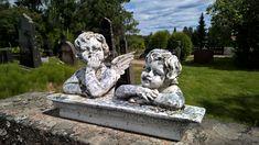 Enkeleitä Tyrvännön kirkon hautausmaalla Angels at Tyrväntö church cemetery #Hattula