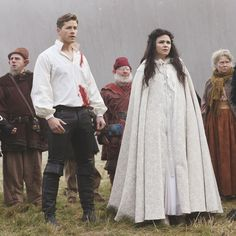 OUAT - Snow White and Prince Charming with Evil Queen and Hook Ouat, Once Upon A Time, Snow And Charming, Prince Charming, Emma Swan, Peter Pan Live, Time News, Outlaw Queen, Season Premiere
