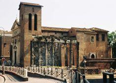 La chiesa medievale di San Nicola in Carcere si erge sul luogo dove, nel periodo della Roma repubblicana,