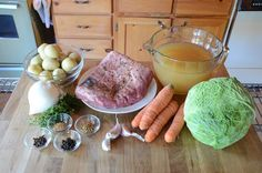 Slow Cooker Corned Beef Dinner - Weekend at the Cottage Slow Cooker Corned Beef, Corned Beef Recipes, Baked Bean Recipes, Crockpot Recipes, Stove Top Baked Beans Recipe, Carrots And Potatoes, Veggies, Tasty, Cottage