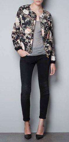 Jaqueta com Estampa de Flores na www.effectstyle.com.br #jaqueta #flores #moda #estilo #loja #compras #bonito #estiloso #shopping #fashion