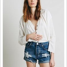 ONE TEASPOON x FREE PEOPLE .. Outlaw shorts. BNWT! Never worn. Brand new free people one teaspoon outlaw shorts. Size 24. Perfect condition. Will trade for other one teaspoon, free people, or for love and lemons :)) open to other forms of payment :) Free People Jeans