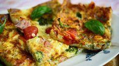 Pannari on ihana väli- tai iltapala. Food Policy, Yummy Food, Tasty, Vegetable Pizza, Quiche, Food And Drink, Snacks, Baking, Vegetables