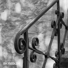 Markus Medinger Picture of the Day | Bild des Tages 24.01.2018 | www.mkmedi.de #mkmedi  #blackandwithe #schwarzweiss #urban #city #geländer #railing  #instagood #photography #photo #art #photographer #exposure #composition #focus #capture #moment  #badenwuerttemberg #germany #deutschland  #365picture #365DailyPicture #pictureoftheday #bilddestages #streetphotography  @badenwuerttemberg @visitbawu @0711stgtcty @deinstuttgart @0711stgtcty @stuttgart.places @geheimtippstuttgart @stuttgartblick…