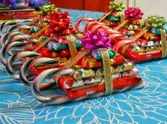 Candy Sleighs   Cute Christmas idea -- fun to make with the kids for their friends/teachers