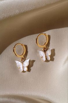 Butterfly Earrings Gold plated butterfly with your option of a gold plated or gold filled hoop. Lead and nickel free.Gold plated butterfly with your option of a gold plated or gold filled hoop. Lead and nickel free. Cute Jewelry, Boho Jewelry, Jewelery, Jewelry Accessories, Jewelry Necklaces, Fashion Jewelry, Women Jewelry, Jewelry Ideas, Jewelry Box