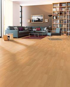 """Mit diesem Laminat in """"BUCHE SB"""" treffen Sie die richtige Wahl! Der warme Farbton und die matte Oberfläche machen diesen anpassungsfähigen Bodenbelag so beliebt."""