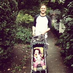 <3 Omg too cute!! Dan Reynolds (Imagine Dragons) and His Lovely Daughter, Arrow <3