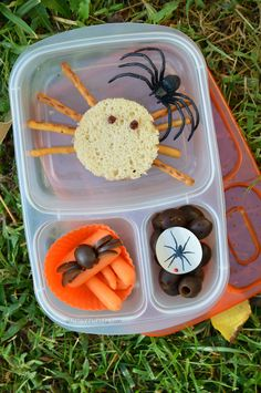 These spooky spider sandwiches are gluten-free and super easy to make. By taking just a few extra minutes, you could put a huge smile on your kiddos face this Halloween.
