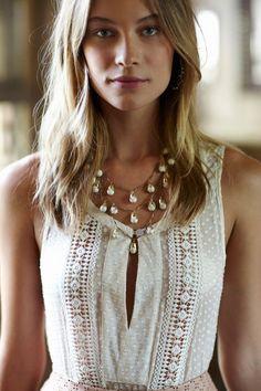 feminine and soft. Perfect necklace for this look. Boho Fashion, Fashion Outfits, Fashion Design, Fashion Jewelry, Elisa Cavaletti, The Bikini, Dress To Impress, Ideias Fashion, Style Me