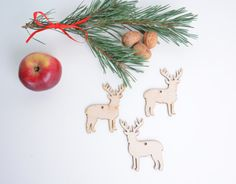 set of 25 wooden reindeer shapes, Christmas tree decor, gift packaging winter season holiday shape table tag DIY unfinished laser cut cutout