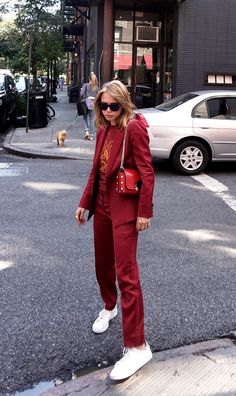 Suits and sneakers outfit 2000s Fashion, Red Fashion, Fashion Outfits, Womens Fashion, Fashion Trends, Modest Fashion, Sneakers Fashion, Suits For Women, Women Wear
