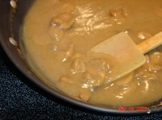 This is a very easy and quick NO FAT gravy to make. No fuss and you do not have to worry about the gravy going lumpy. I developed this recipe almost 20 years ago using my homemade chicken broth or vegetable broth. Chicken Gravy From Broth, Homemade Chicken Gravy, Chicken Soup Base, Cornbread Waffles, Instant Potatoes, Canned Mushrooms, Vegan Sauces, Holiday Recipes, Holiday Meals