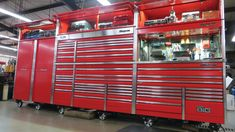 Big-Time Boxes Snap-on Toolbox Mark Oliphant Metal Fabrication Tools, Garage Workshop Organization, Organization Ideas, Tool Box Storage, Mechanic Tools, Home Tools, Shop Plans, Car Shop, Tools For Sale