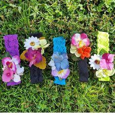 Flores y colores  #Tocados tipo #Headbands lo encuentras en la galería IG de:  @sugar_collections  Contacto vía  Sugarcollections@gmail.com .  DIRECTORIO MMODA  #Tendencias con sello Venezolano  #DirectorioMModa #MModaVenezuela #Colores #Flores #Estilo #Tendencias #Moda #Fashion #Venezuela #DiseñoVenezolano
