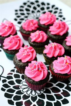 Mini Chocolate Cupcakes... Making these for you babe come valentines day!